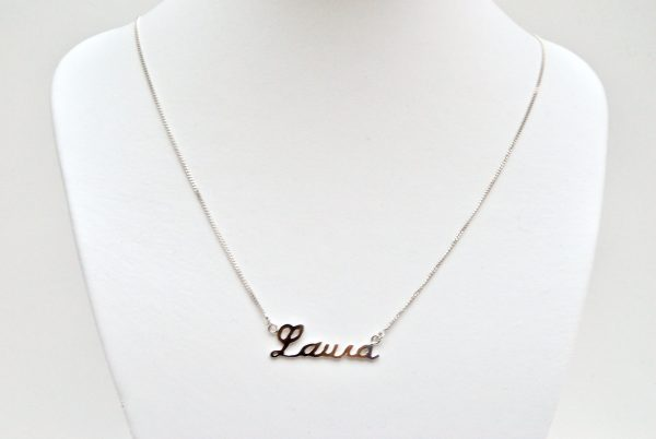 Naamketting Laura