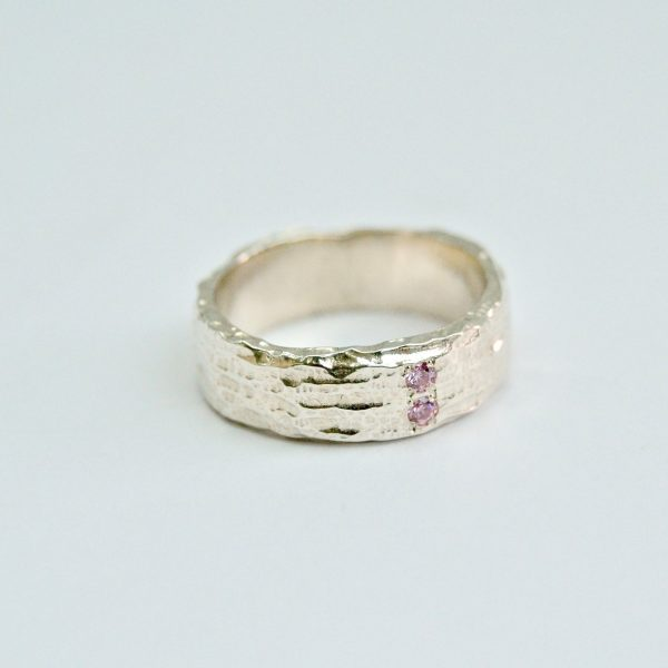 Ring met roze zirconen