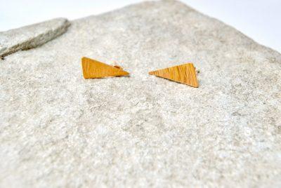 Vergulde asymmetrische oorstekers
