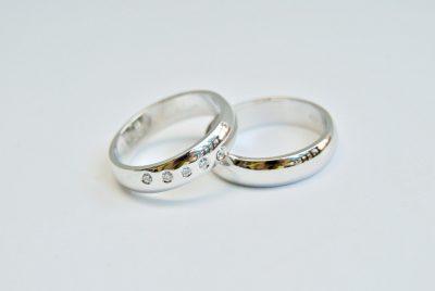 trouwringen wit goud diamant