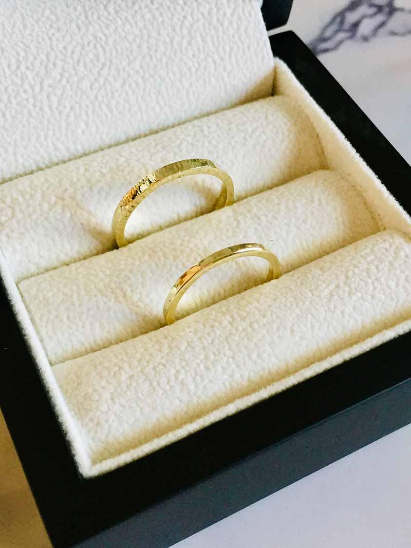 Fijne geelgouden trouwringen